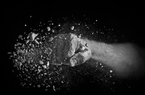 """2020年""""扫黄打非""""十大热点网络话题公布,""""全民K歌""""涉色情低俗、淫秽漫画作者JM被刑拘上榜插图"""