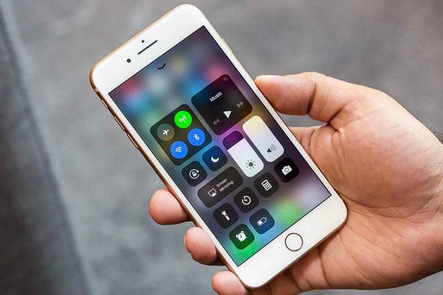 """全球手机市场经历""""大换血"""",苹果跌出前三,最大黑马不是华为?"""