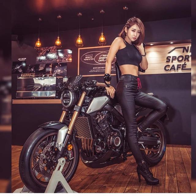 韩国高冷车模柳多妍,翘圆臀加大长腿性感魅惑,臀腿综合训练打造插图5