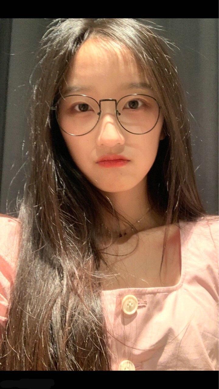 莫名的诱惑 眼镜妹
